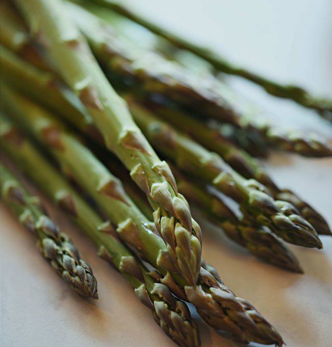 The-Provincial_Farm_fresh_Asparagus